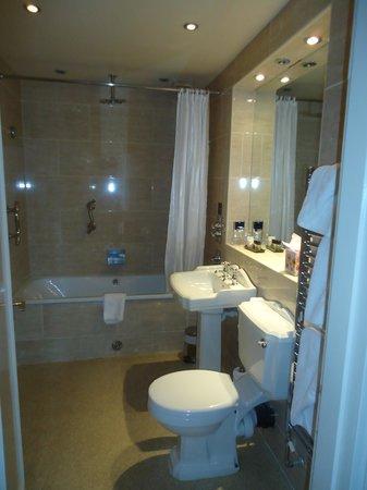 The Crown Spa Hotel : Bathroom