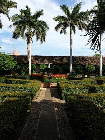 Hotel El Convento: Courtyard