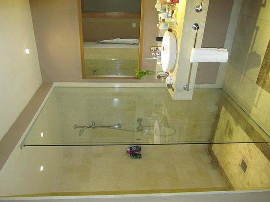 Secrets Royal Beach Punta Cana: großzügige Dusche