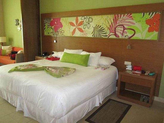 Secrets Royal Beach Punta Cana: Gemütliches Bett