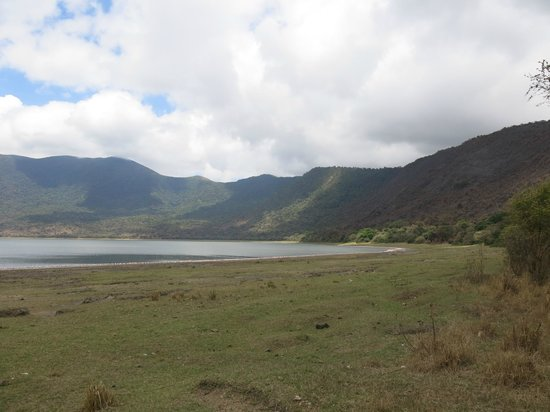 Empakaai Crater : Look out for primates on the way