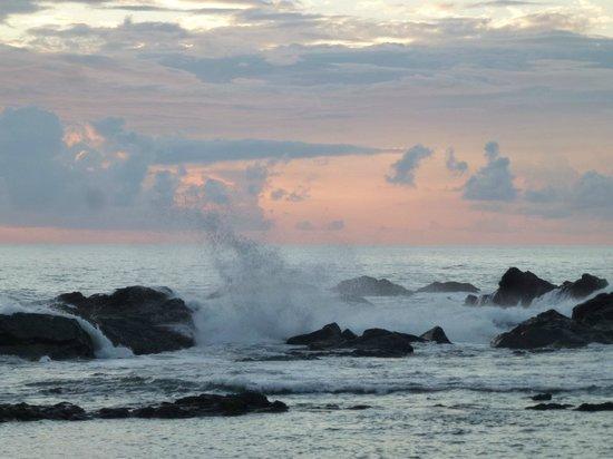 PorQueNo?: Sunset and waves