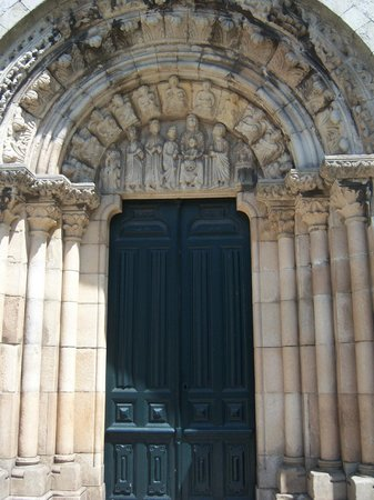 Colegiata de Santa Maria do Campo: Doors of the Church