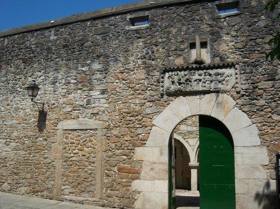 Colegiata de Santa Maria do Campo: Doors in the wall in Plaza Maria