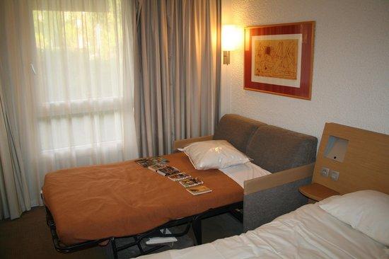 Hotel Novotel Aix en Provence Pont de L'arc Fenouilleres: Canapé-lit pour une 3ème personne.