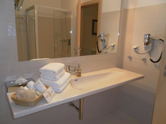 Unitas Hotel : Lovely fluffy towels and quality toiletries
