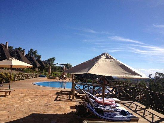 Neptune Ngorongoro Luxury Lodge : Pool - Terrasse