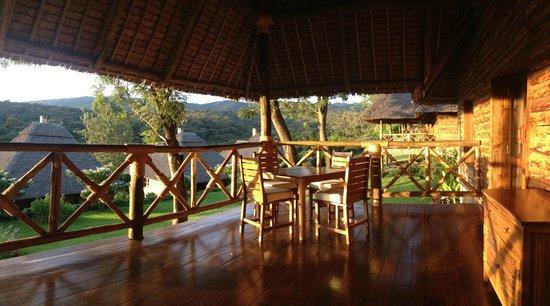 Neptune Ngorongoro Luxury Lodge : Zimmer Veranda