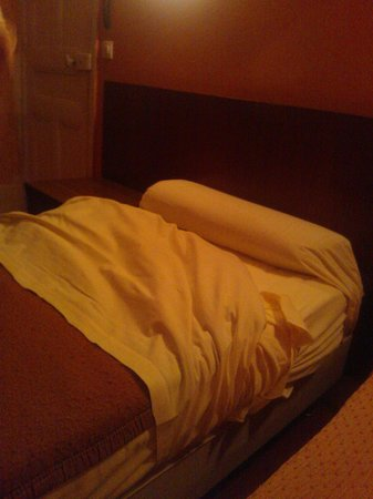 Hotel Luxia : foam wrapped in blanket