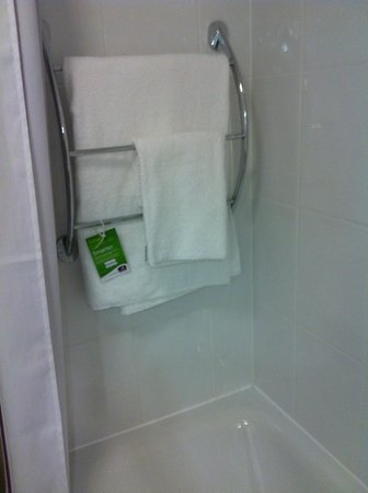 Premier Inn Weston-Super-Mare (Seafront) Hotel: Bathroom Towels
