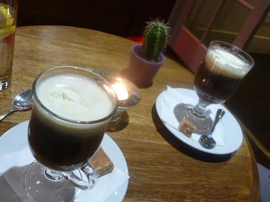 The Bridge Inn at Ratho : Coffee before bed