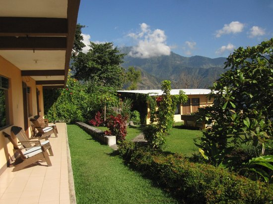 Hotel Sakcari : The views and gardens are immaculate