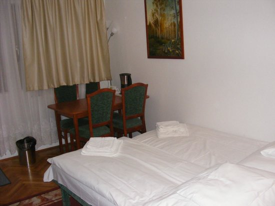 Hotel Pension Helios: Two extra beds for kids