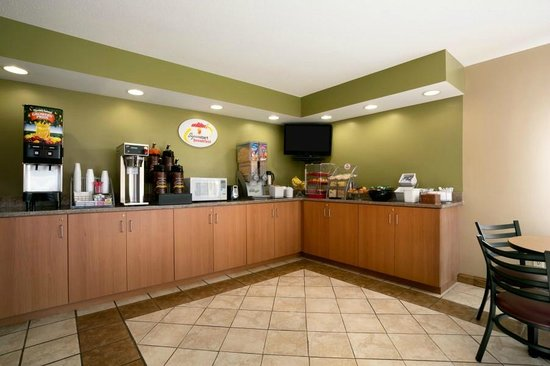Columbia City, IN: Renovated Breakfast Area