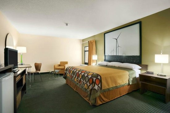 Super 8 Columbia City: Renovated King Size Room innov8te Scheme