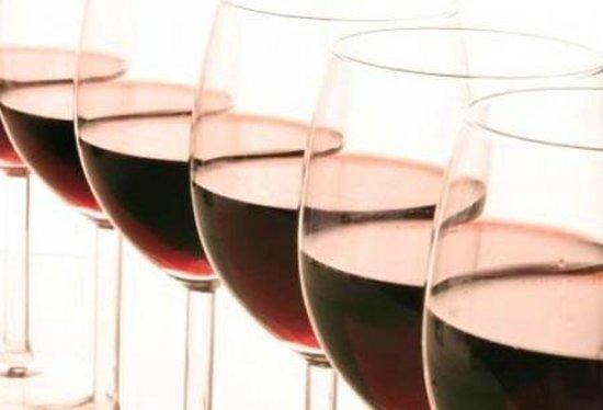 Au Nom De Dieu: Uitgebreide wijnkaart