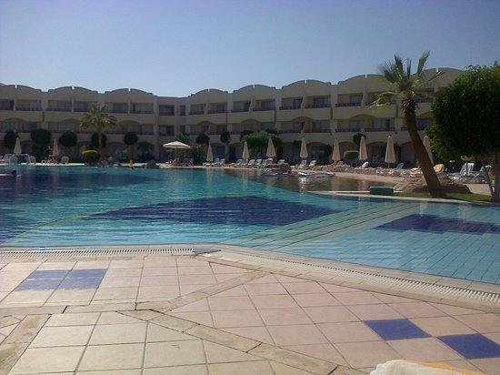 Sharm El Sheikh Marriott Resort: Mountain side pool
