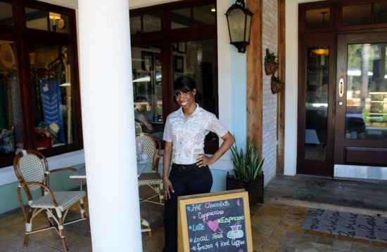 Sandals Grande Antigua Resort & Spa: Teshana you truly are an angel - Cafe de Paris.