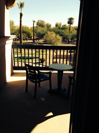 Hampton Inn & Suites Goodyear: Maybe better view of balcony room 225
