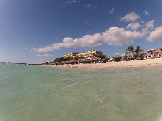 Hotel Ancon: hotel vu de la plage