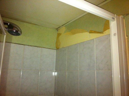 Astrid: Salle de bains !!!
