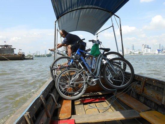ABC Amazing Bangkok Cyclist: Flussüberfahrt