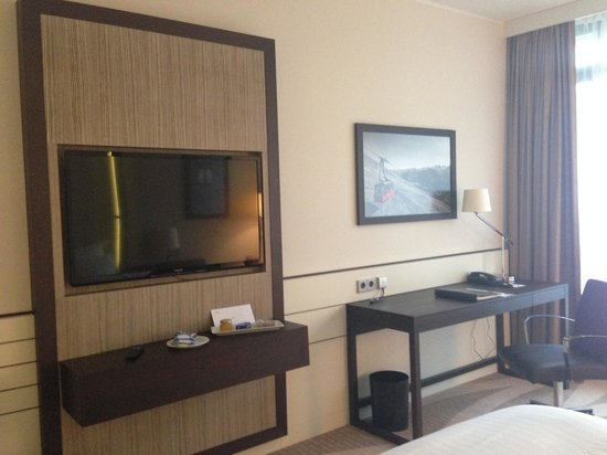 Munich Airport Marriott Hotel: Room