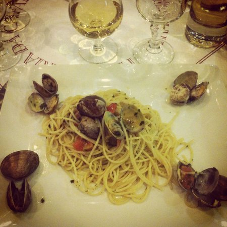 La Trattoria: Spaghettis aux palourdes