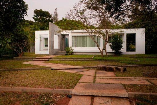 Auroville houses interior images for Au jardin guest house riebeeckstad