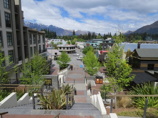 Lomond Lodge : Steps to downtown Queenstown