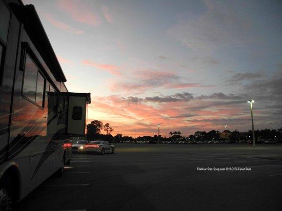 Seminole Casino Hotel: Parking Lot Sunset