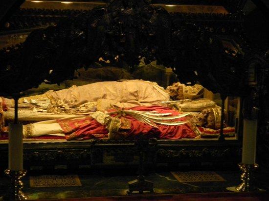 Basilica di Sant'Ambrogio: Parte de atras del altar