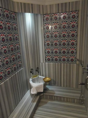 Dersaadet Hotel Istanbul: Turkish bath in room