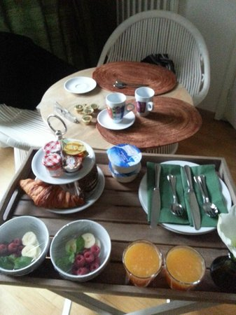 Le Quartier Sonang: Beautiful Breakfast