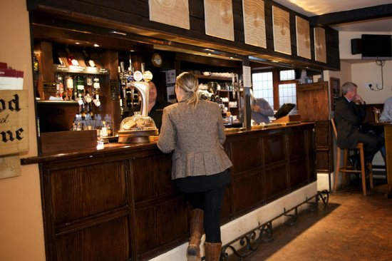 Red Lion Hotel: Cask conditioned ales and a great drinks selection