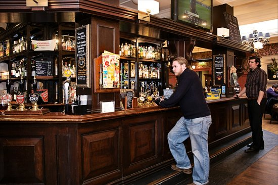 The Salutation: Cask conditioned ales and a great drinks selection
