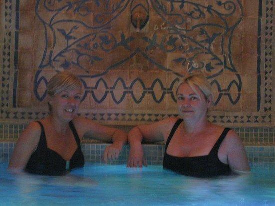 Riad Aloes: L'apéro dans le spa !!!
