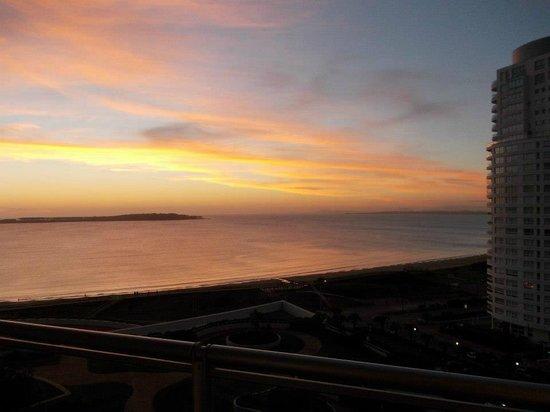 Conrad Punta del Este Resort & Casino: Varanda do meu quarto