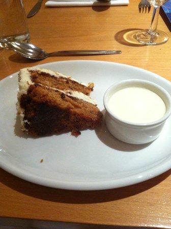 Bedford Hotel: Dessert - carrot cake