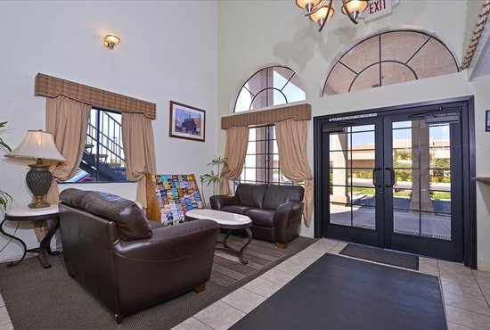 Americas Best Value Inn Hesperia: Lobby