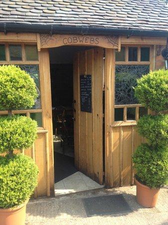 Cobwebs Coffee Shop: Front door
