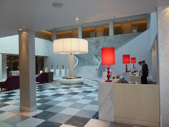 Hyperion Hotel Dresden am Schloss: Lobby