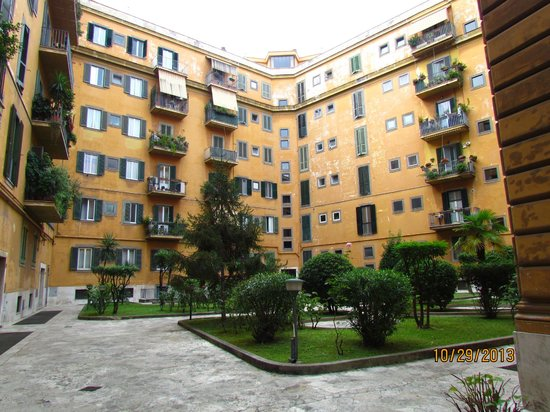 Courtyard of condo complex where Dejavu Room is located.