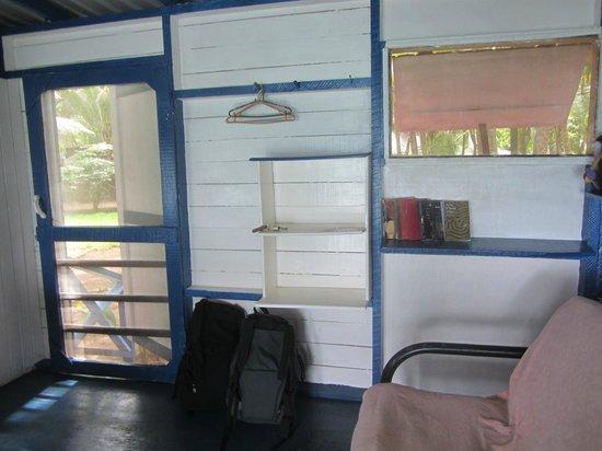 Casa Iguana : Lots of shelving in cute bungalow