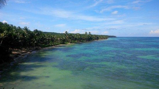 Casa Iguana : Pretty waters off the hotel beach