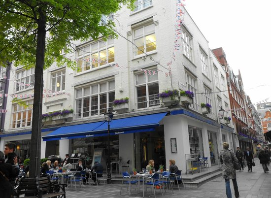 Carluccios - St Christophers Place : St.Christopher Place.
