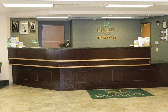 Quality Inn near Fort Riley: Lobby Area