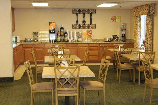 Quality Inn near Fort Riley: Breakfast Area