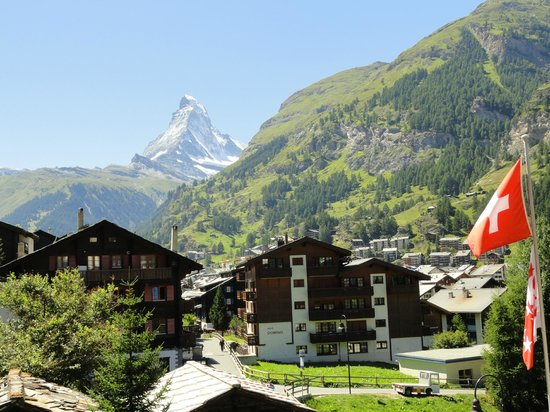 Zermatt-Matterhorn Ski Paradise: Vista da janela do hotel! Fora de série!