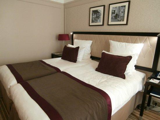Paris Marriott Opera Ambassador Hotel : Comfortable beds